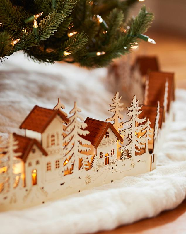Christmas Village Wood Tree Collar by Balsam Hill SSC 10