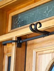 Garland hanger for single doors