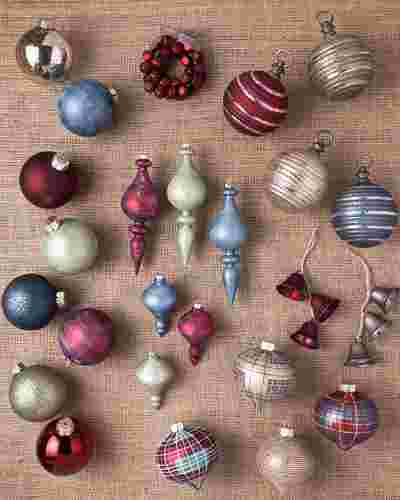 Farmhouse Christmas Ornament Set, 25 Pieces by Balsam Hill SSC 10