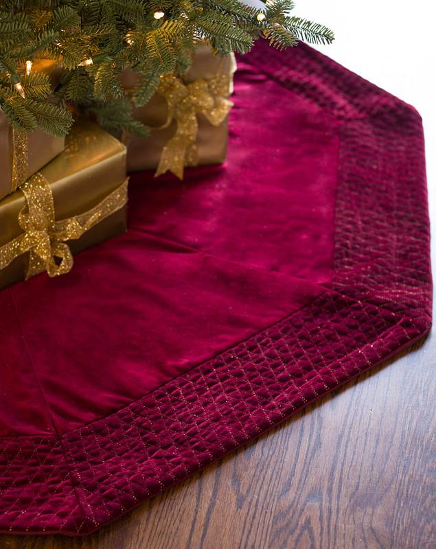 48in Wine Florentine Quilted Velvet Tree Skirt by Balsam Hill SSC 10