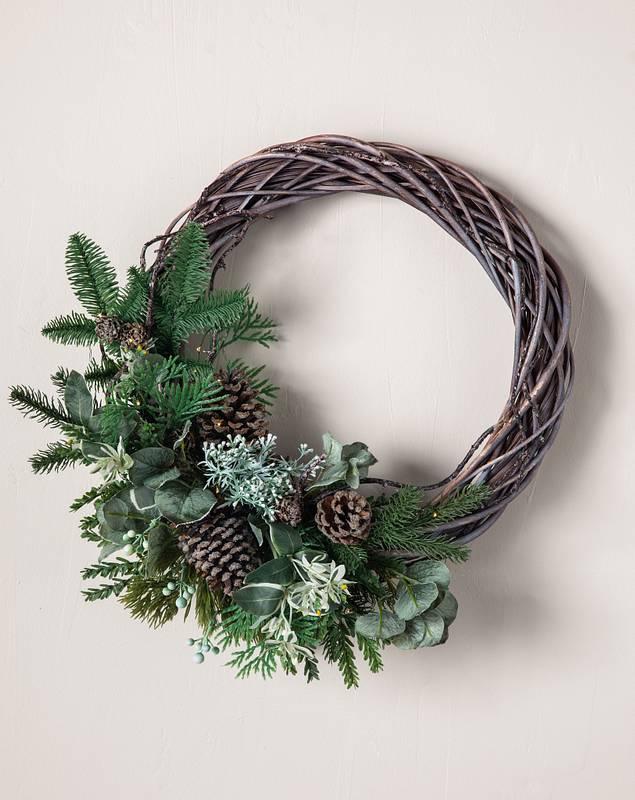 Wintergreen Woods Wreath by Balsam Hill SSC 10