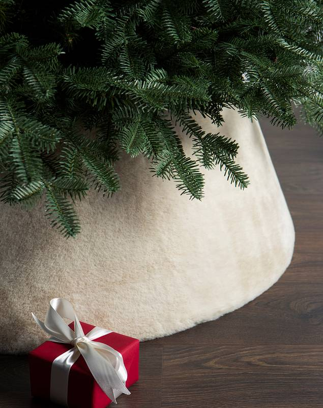 Ivory Faux Fur Tree Collar by Balsam Hill SSC
