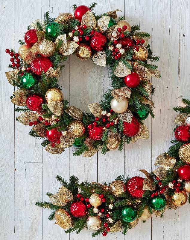 Outdoor Merry & Bright Foliage by Balsam Hill